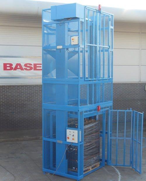 Base Handling Pallet Lift