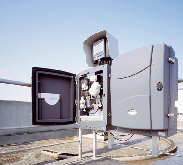 Ammonia and phosphate monitors