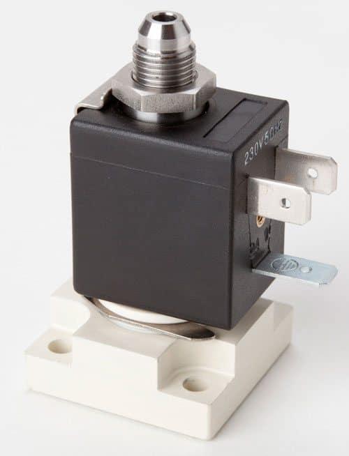 """Las electroválvulas """"Plug and Use"""" para cafeteras profesionales automáticas y semiautomáticas."""