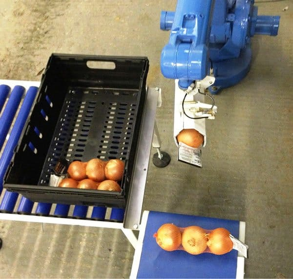 O Blu-Robot; um sistema econômico de coleta e localização de robôs para ajudar os embaladores sazonais ou de baixa produção