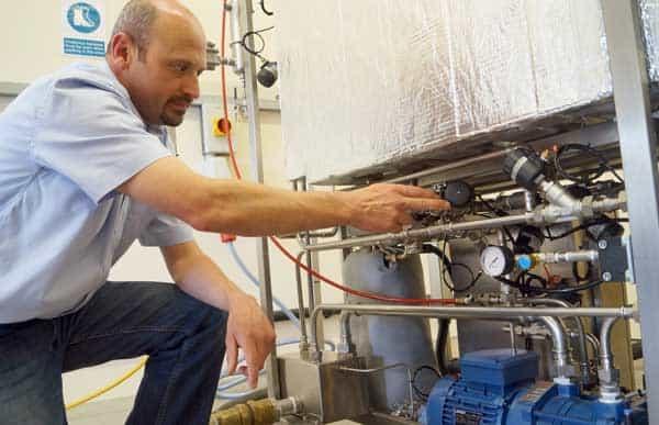 Colin Hartop ESTS weist darauf hin, Bürkert Typ 2000 Dampfventil