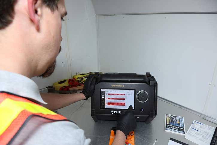 Überprüfen der Ergebnisse in der Cold Zone Mobile Lab