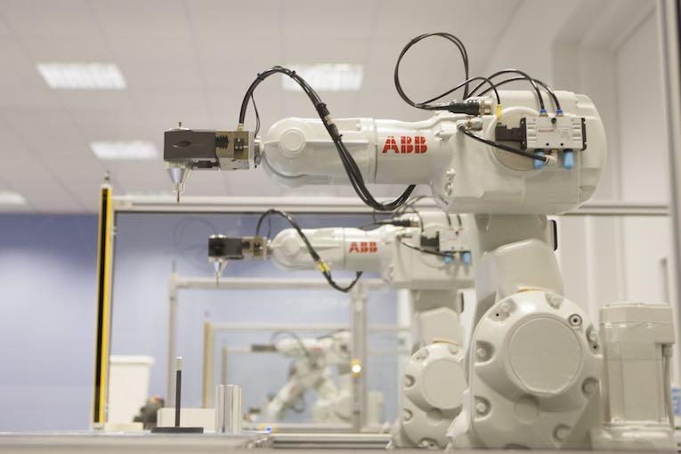 abb robotics omdanne konkurrenceevne
